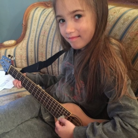 Cata and her guitar