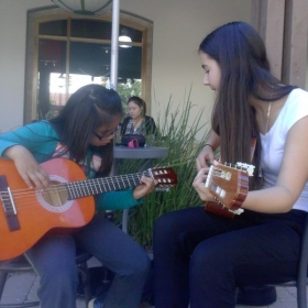 Playing a musical instrument increases the capacity of your memory, fosters your self-expression and relieves stress.