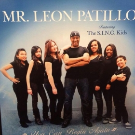 Pro Student Leon Patillo with students Jazzy, Sophia and Ricky singing on his album