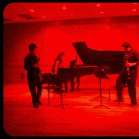 Preparing to play the Bruch 8 Pieces for Clarinet, Viola and Piano.