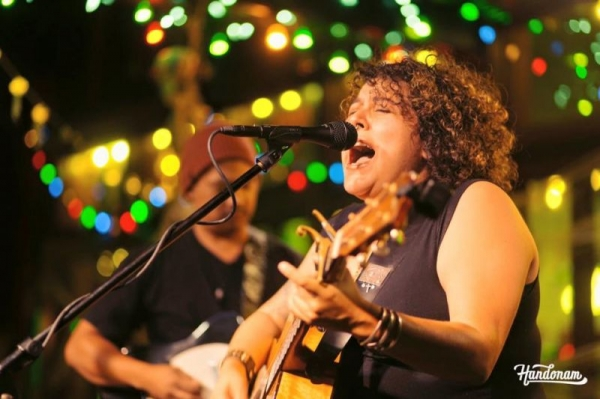 Singing at The TinRoof in San Diego's Gaslamp District