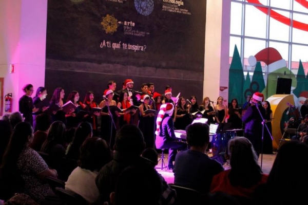 Christmas Concert in La Rodadora in Juarez, Mexico. UACJ Choir