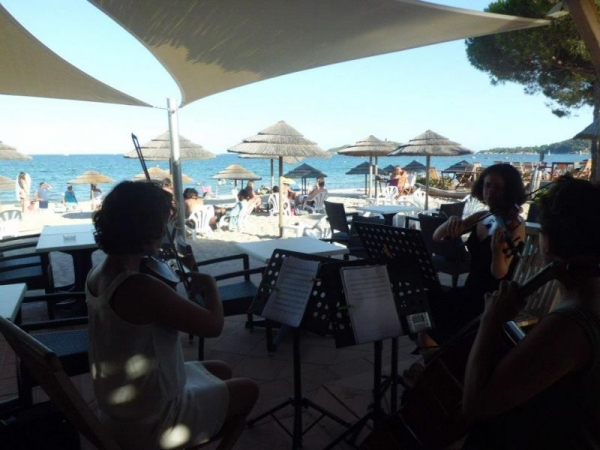 Trio Ristorcelli playing corsican music on the beach!