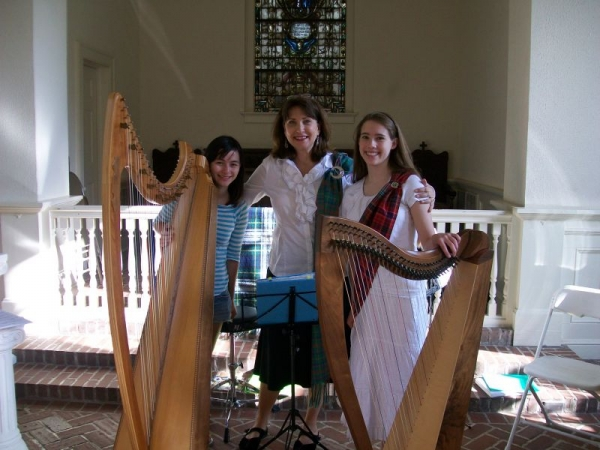 Anne and her students 2009