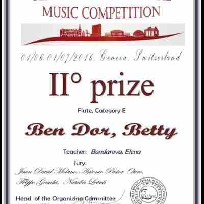My student won a second prize on Switzerland International Music competition