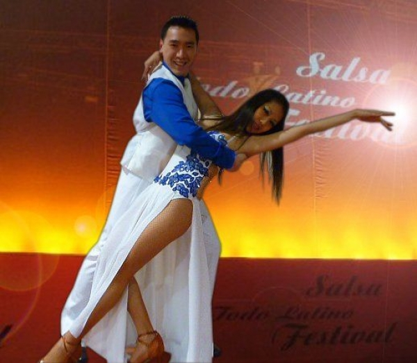 Beginner to intermediate salsa dance teaching.