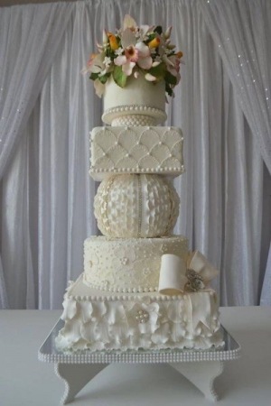 Wedding cake techniques that you can learn