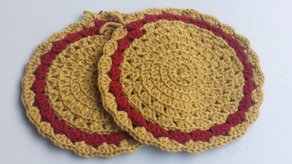 Circular crochet hot pads. Vintage style. TiffaniLynneCrochet