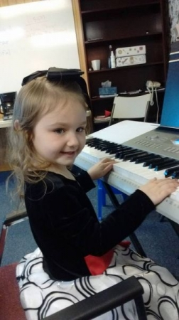 "This AMAZING 5 year old student walked in for her first lesson, sat at the keyboard, and played ""Mary Had a Little Lamb"""