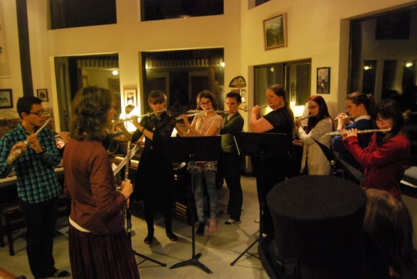 10 flutes playing quartets in our recent recital!