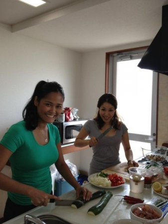 Teaching my Japanese student to cook Thai food, We make it fun and relaxing!