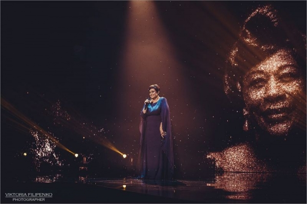 "Singing Etta James' ""Cry Me A River"" at the X Factor live finals"