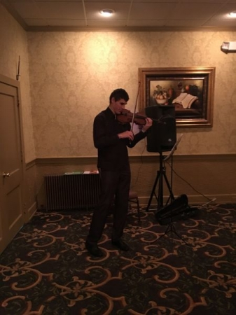 Solo Violin Christmas Performance (~400 people)