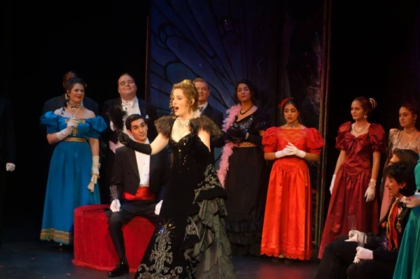 Adele in Die Fledermaus