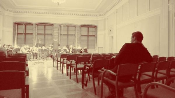 "In rehearsal with the Tallinn Chamber Orchestra in preparation for the premiere of ""Headline Hues: Concerto for Strings"""