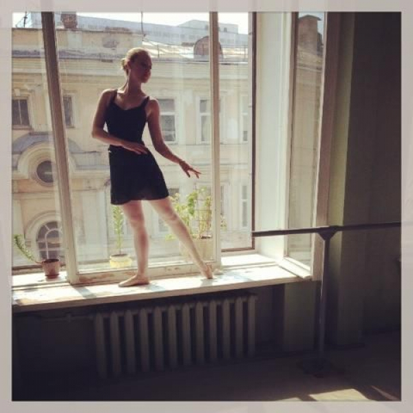 Training with The Moscow Theater Ballet School.