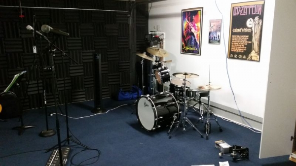 New Gretsch drum kit in the Home Recording Studio!