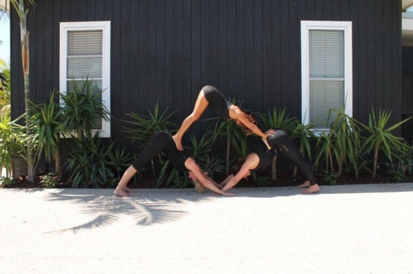 Yoga-fun in Byron Bay!