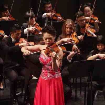 Xika Huang performs violin concerto with Los Angeles Dream Orchestra.
