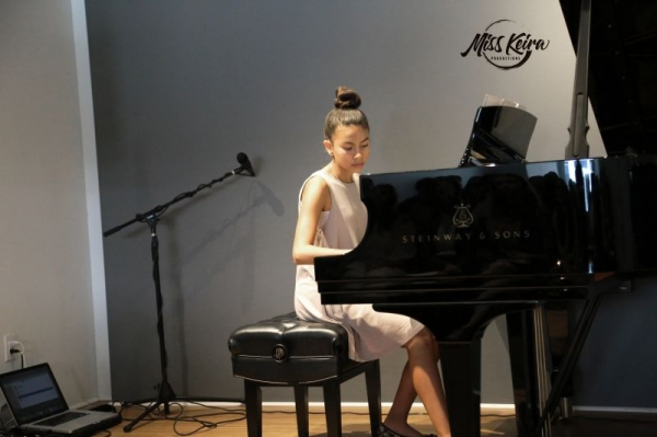 Piano student Itzel, performing Erroll Garner's arrangement of Misty at The Steinway and Sons Piano Gallery of Beverly Hills