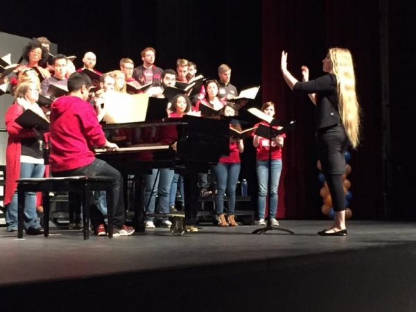 Conduction the Illinois State University Concert Choir while on tour!