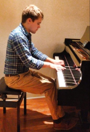 Playing some Chopin Etudes!