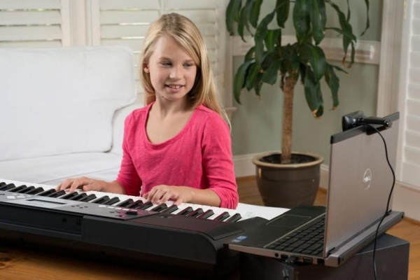 Example of how you can do online piano lessons from the convenience of your home!