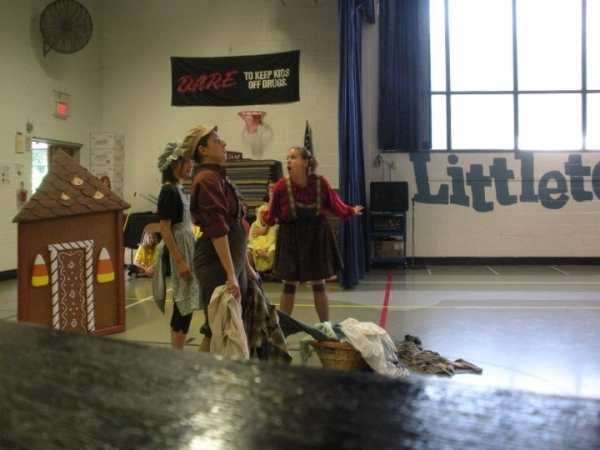 as gretel in Opera New Jersey's ouring production of Hansel and Gretel