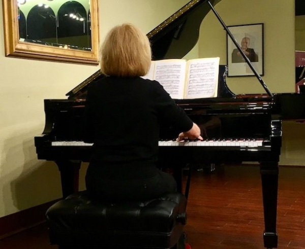 Adult student Diana playing at our recital