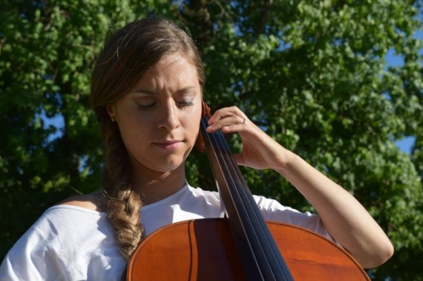 Cello concert outdoors in Rohnert Park, CA
