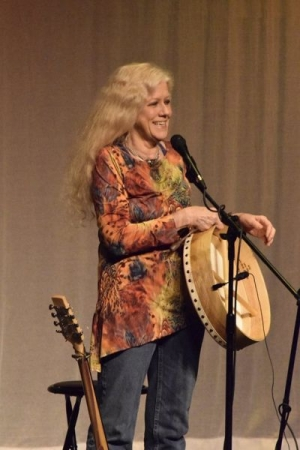 Performing at the Hurdy Gurdy Folk Club, NJ