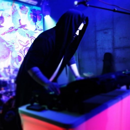 hardware synths live on stage as evilartform