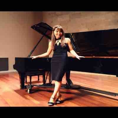 Dongni Yang  Classically trained pianist