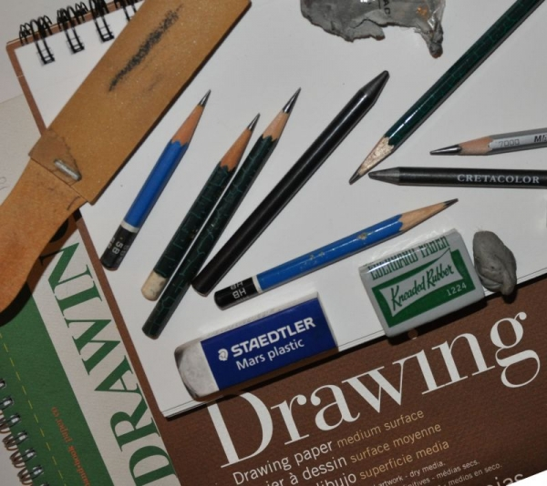 What kinds of pencils and erasers do you use? Would you like to learn how an artist uses these tools?