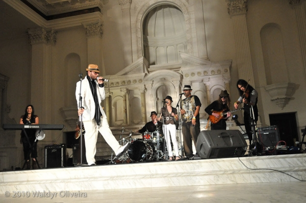Performing with Poet Ali in Los Angeles, CA.