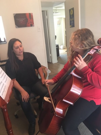 Teaching a cello lesson