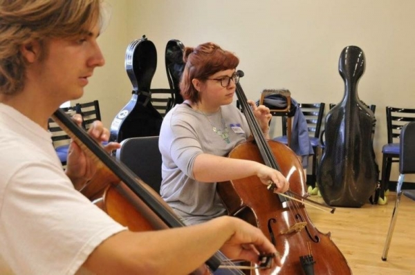 Learning music by ear in rehearsal!
