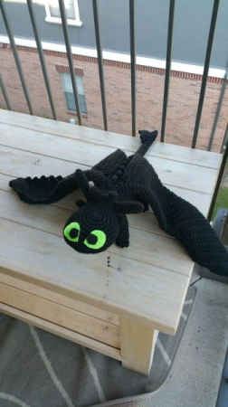 Toothless, crocheted with black crafting yarn, free pattern