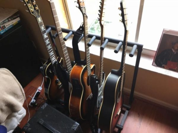 I offer a wide range of instruments for students to play on.