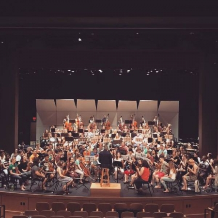 Orchestra rehearsal with the National Music Festival orchestra