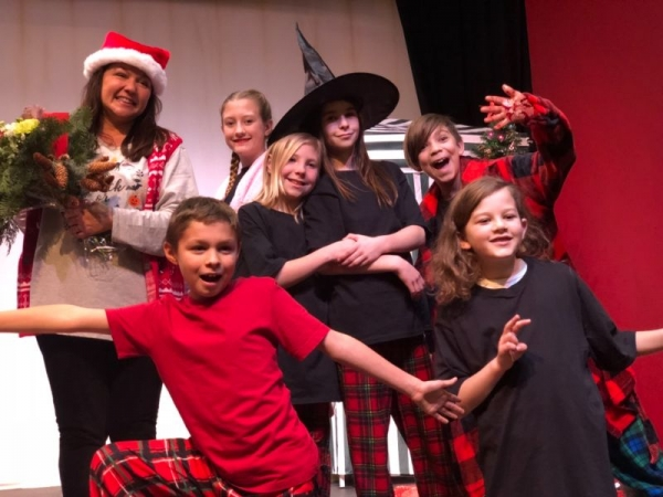 The cast of HALLOWEEN AT CHRISTMAS, Theatre Creators Kids, Tehachapi California December 15th, 2018