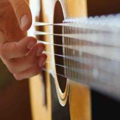 Guitar lessons where you can become advanced faster than you think!