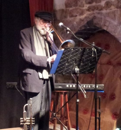 franklyn wepner, klezmer trombone, at the white donkey club in safed, israel