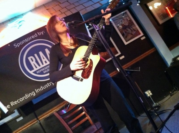 Lee live at the Bluebird Cafe, Nashville 2013