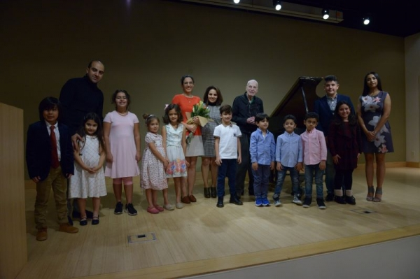 We provide annual recitals and all students have the chance to participate.   Location: Martin Luther King Jr. Auditorium, Santa Monica