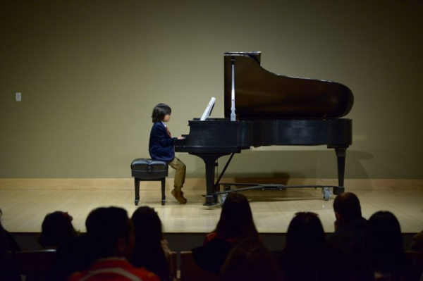 Jasper loves transposing pieces, and recently he has started to compose. He's studying both composition and piano at Musicum.