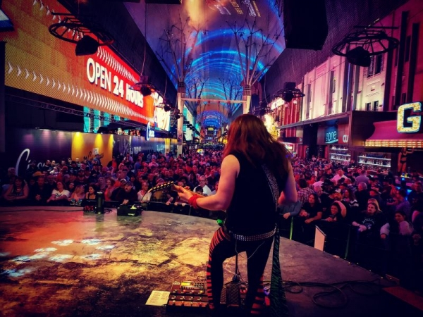 Entertaining the best crowds in Vegas!