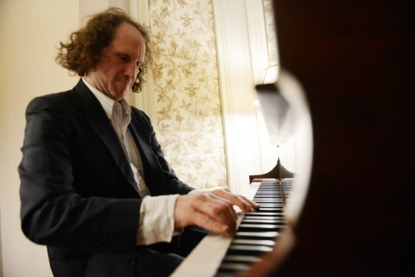 Playing the Revolutionary Etude by Chopin