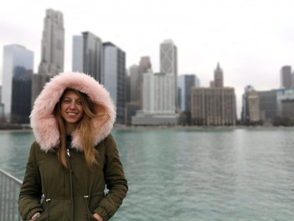 I live in Chicago, the beautiful (and  cold🥶) windy city 😄😄