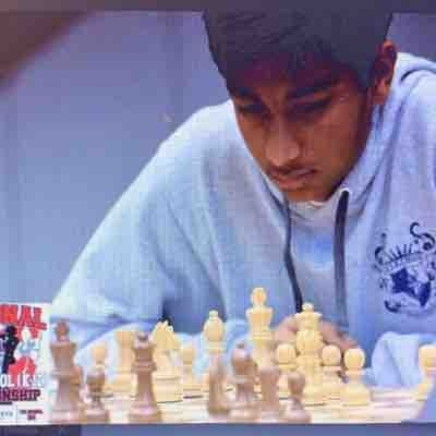 Danial Asaria playing at the United States National Chess Championship